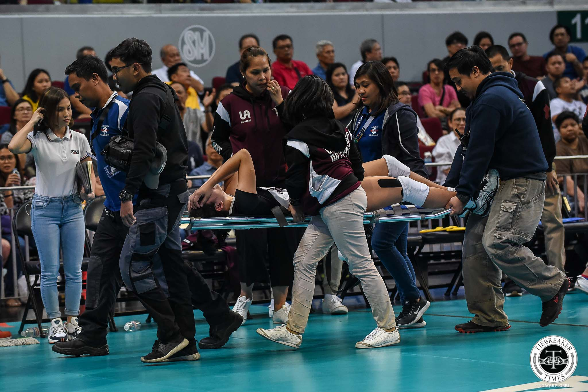 Tiebreaker Times Fears eased as Isa Molde injury ruled an ankle sprain News UAAP UP Volleyball  UP Women's Volleyball UAAP Season 81 Women's Volleyball UAAP Season 81 Isa Molde