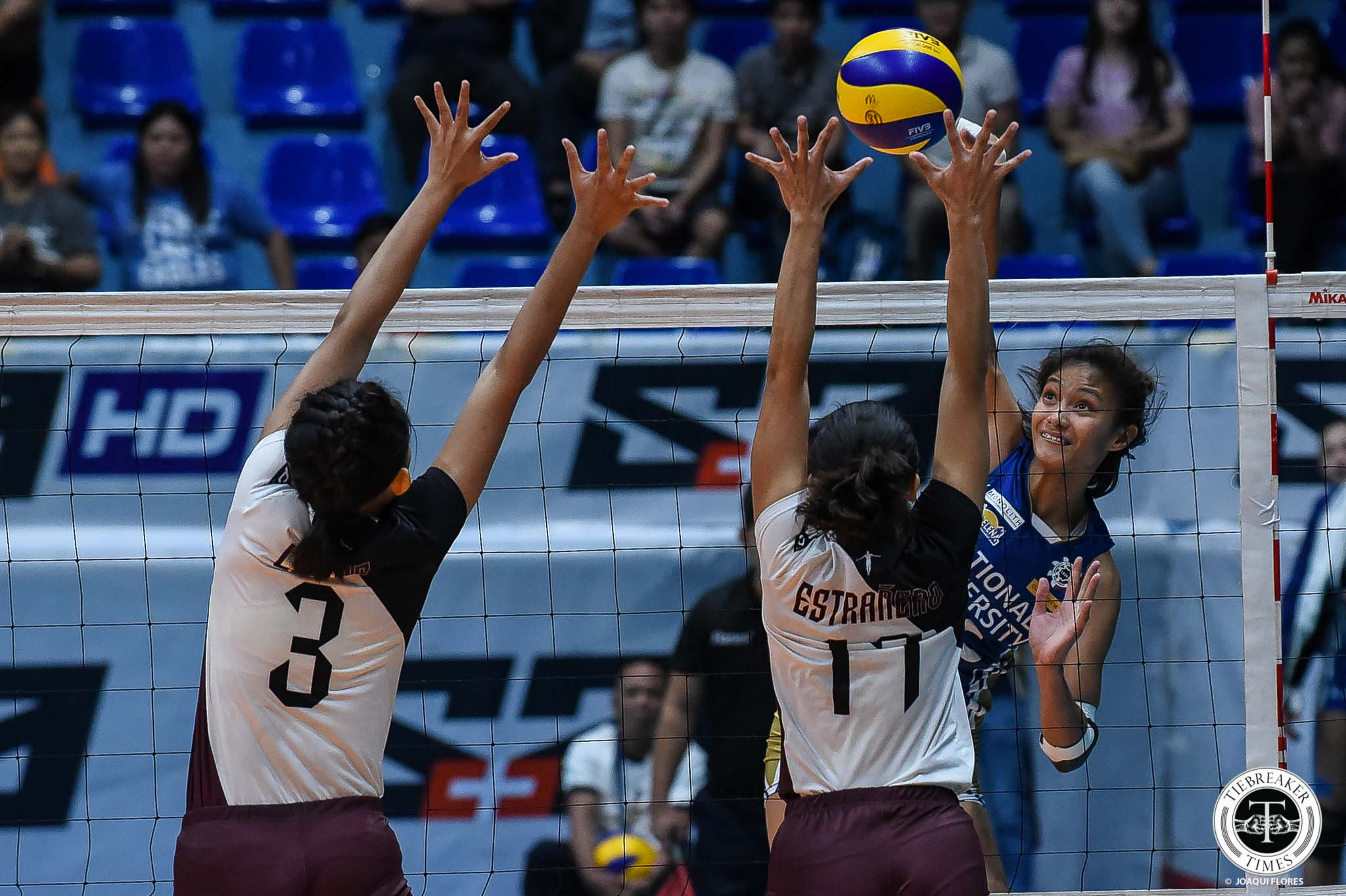 Tiebreaker Times Ivy Lacsina clutch as NU Lady Bulldogs shock suddenly skidding UP News NU UAAP UP Volleyball  UP Women's Volleyball UAAP Season 81 Women's Volleyball UAAP Season 81 Tots Carlos Rem Altomea Princess Robles NU Women's Volleyball Norman Miguel Justine Dorog Jennifer Nierva Ivy Lacsina Godfrey Okumu Ayel Estranero