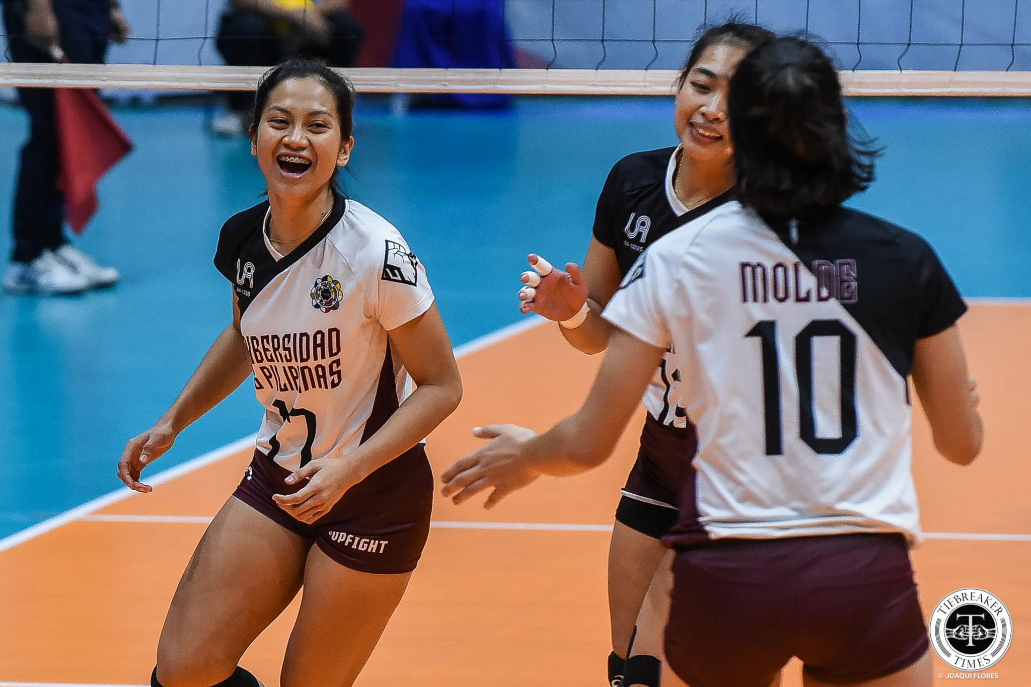 Tiebreaker Times UP Lady Maroons regain form, dump Adamson AdU News UAAP UP Volleyball  UP Women's Volleyball UAAP Season 81 Women's Volleyball UAAP Season 81 Tots Carlos Onyok Getigan Mirgie Bautista Joy Dacoron Isa Molde Godfrey Okumu Eli Soyud Ayel Estranero Adamson Women's Volleyball
