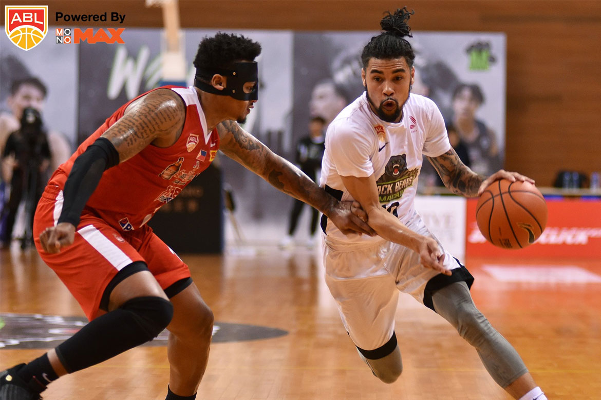 Tiebreaker Times Mikh McKinney lights up Alab Pilipinas anew as defending champs suffer first skid ABL Alab Pilipinas Basketball News  PJ Ramos Mikh McKinney Macau Black Bears Josh Urbiztondo Jimmy Alapag Dewarick Spencer Bobby Ray Parks Jr. ABL Season 9 2018-19 ABL Season