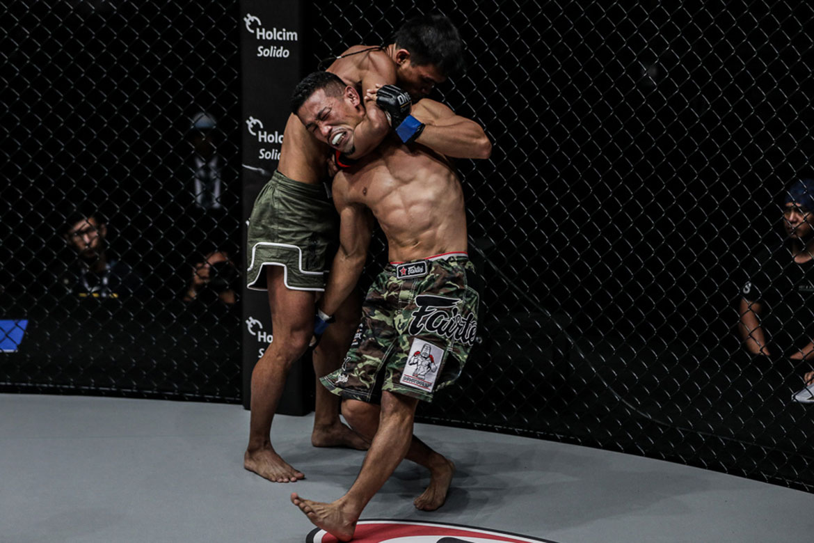 ONE-Roots-of-Honor-Ramon-Gonzales-def-Akihiro-Fujisawa Kelly bros take contrasting results as Ramon Gonzales makes triumphant homecoming Kickboxing Mixed Martial Arts Muay Thai News ONE Championship  - philippine sports news