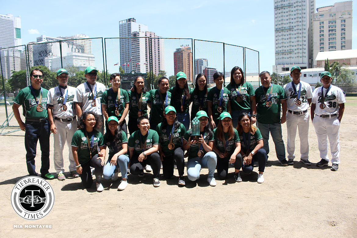 Tiebreaker Times Joseph Orillana makes sure to lift mentor Saki Bacarisas back to the top Baseball DLSU News Softball UAAP  UAAP Season 81 Softball UAAP SEASON 81 Baseball UAAP Season 81 Saki Bacarisas Joseph Orillana DLSU Softball DLSU Baseball