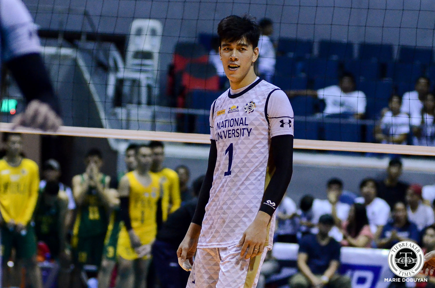 Tiebreaker Times Bryan Bagunas signs with Oita Miyoshi Weisse Adler News Spikers' Turf Volleyball  Dante Alinsunurin Bryan Bagunas 2019-20 Japan V-League Season