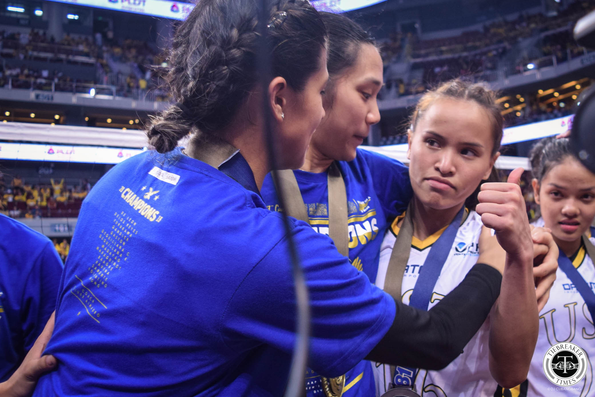 Tiebreaker Times Ateneo Lady Eagles in unison: 'Sisi Rondina made everything so much harder' ADMU News UAAP UST Volleyball  UAAP Season 81 Women's Volleyball UAAP Season 81 Oliver Almadro Cherry Rondina Bea De Leon Ateneo Women's Volleyball