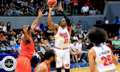 Tiebreaker Times Justin Brownlee saves Ginebra anew, hands NorthPort first loss Basketball News PBA  Tim Cone Sean Anthony Scottie Thompson Prince Ibeh Pido Jarencio PBA Season 44 Northport Batang Pier Mo Tautuaa Justin Brownlee Greg Slaughter Barangay Ginebra San Miguel 2019 PBA Commissioners Cup