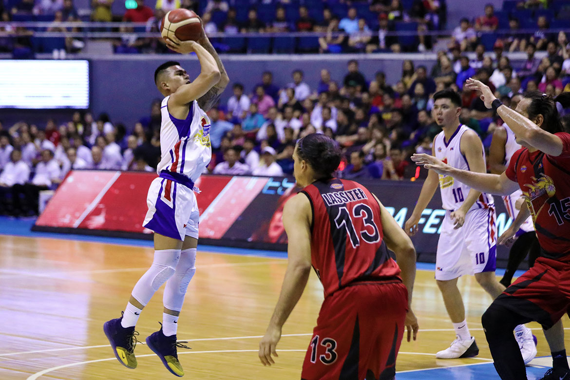 Tiebreaker Times Jio Jalalon had vengeance in mind against San Miguel Basketball News PBA  PBA Season 44 Magnolia Hotshots Jio Jalalon 2019 PBA Commissioners Cup