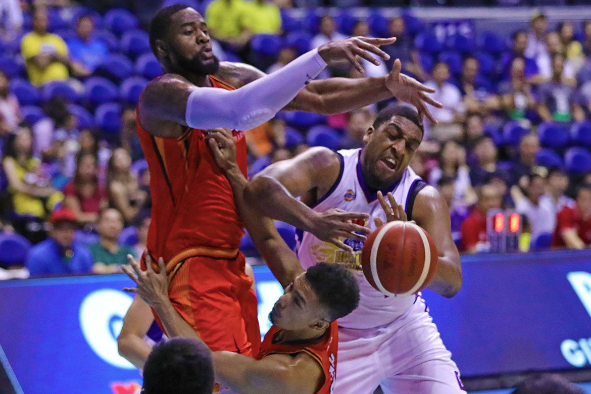 Tiebreaker Times Chito Victolero believes James Farr will get better once jetlag wears off Basketball News PBA  PBA Season 44 Magnolia Hotshots James Farr Chito Victolero 2019 PBA Commissioners Cup