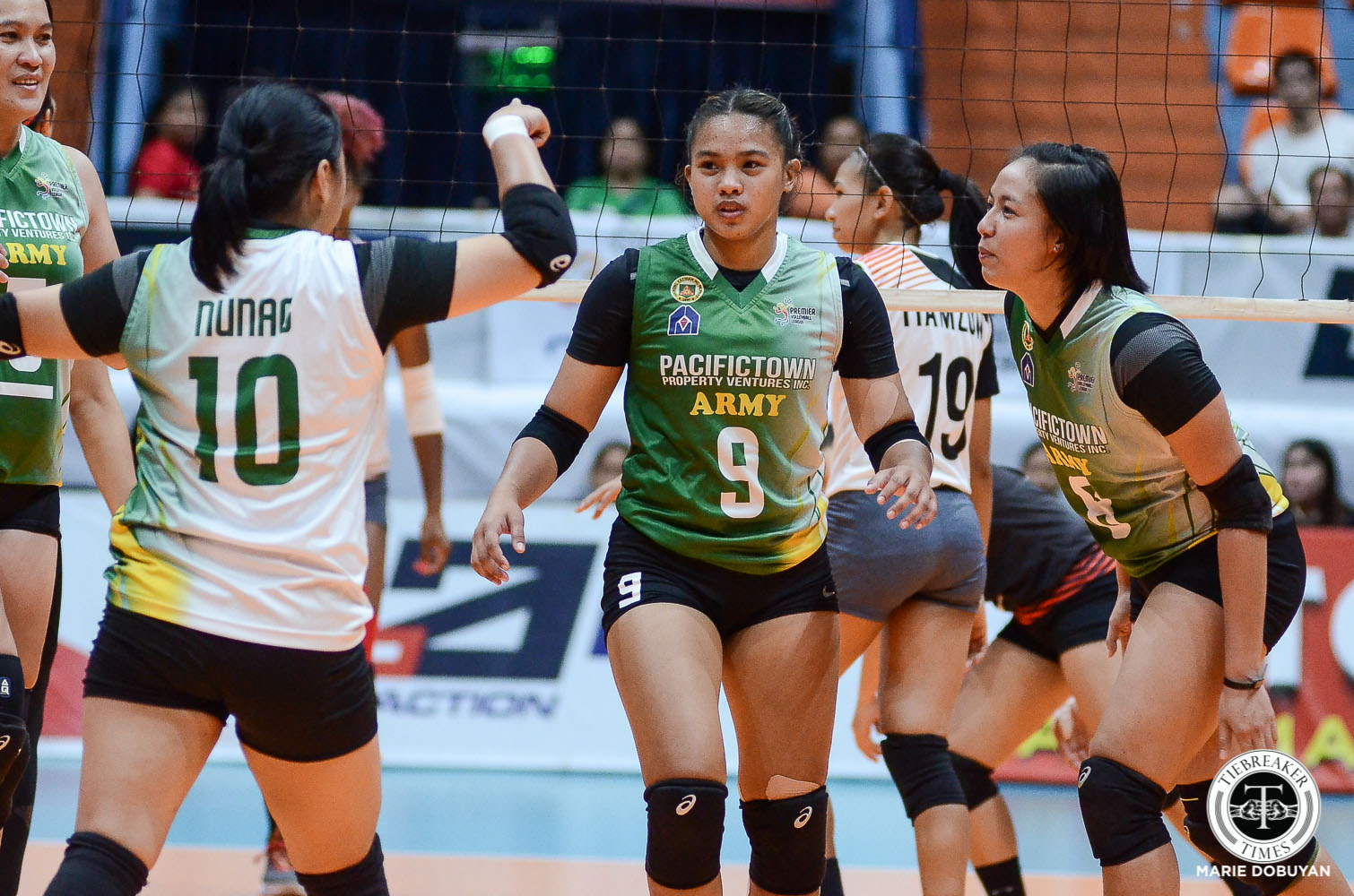 Tiebreaker Times PacificTown-Army ends first round at solo third, outlasts BanKo News PVL Volleyball  Tin Agno Perlas Lady Spikers Pacific Town-Army Lady Troopers Olena Lymareva-Flink Nicole Tiamzon Kungfu Reyes Kia Bright Kathy Bersola Jenelle Jordan Jem Gutierrez Apichat Kongsaiwat Alina Bicar 2019 PVL Season 2019 PVL Reinforced Conference