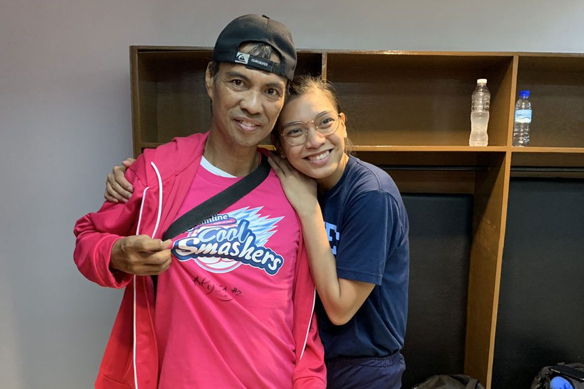 Tiebreaker Times From Fan to Inspiration: Viral fan meets his 'super girl' Alyssa Valdez News PVL Volleyball  Fan Appreciation Creamline Cool Smashers Alyssa Valdez 2019 PVL Season 2019 PVL Reinforced Conference