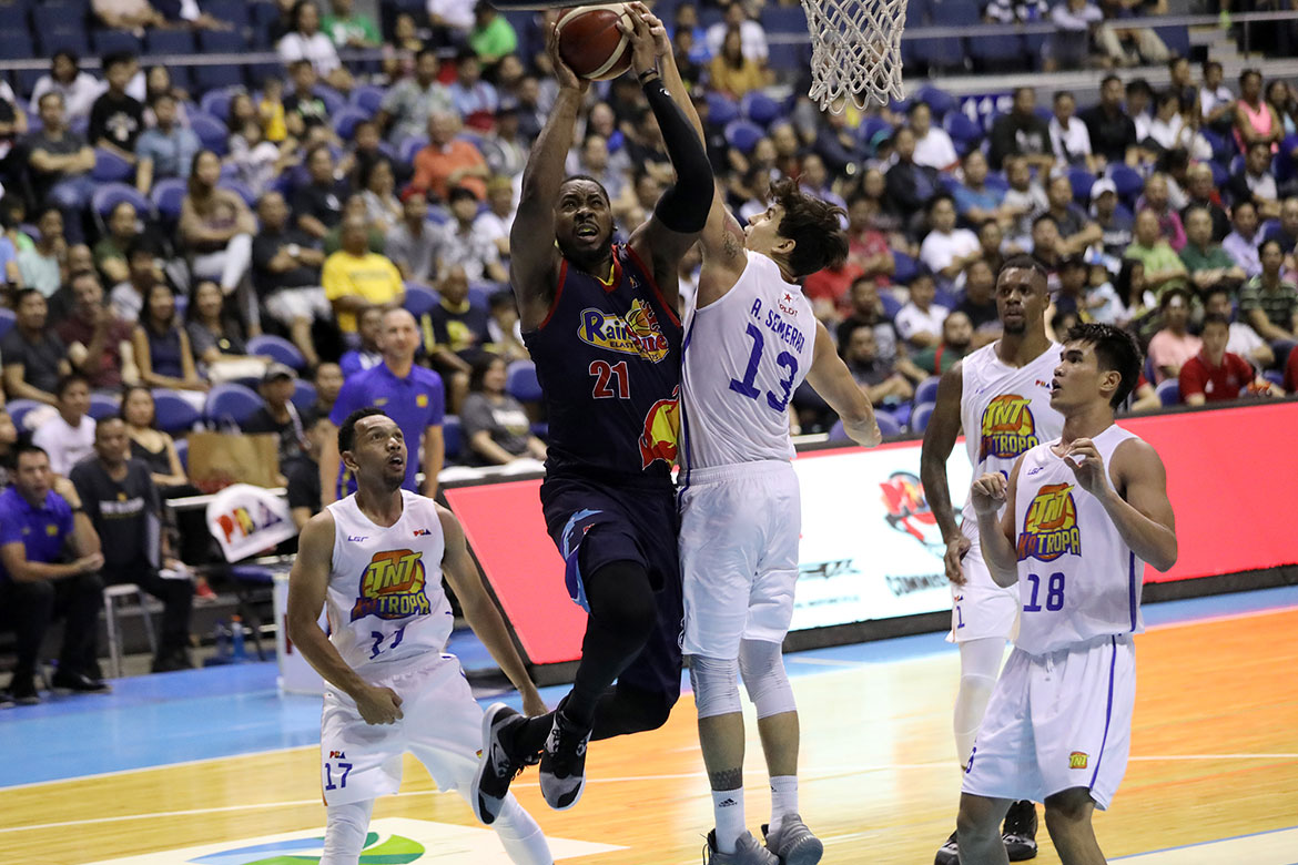 Tiebreaker Times Caloy Garcia understands Denzel Bowles' frustrations with Rain or Shine Basketball News PBA  Rain or Shine Elasto Painters PBA Season 44 Denzel Bowles Caloy Garcia 2019 PBA Commissioners Cup