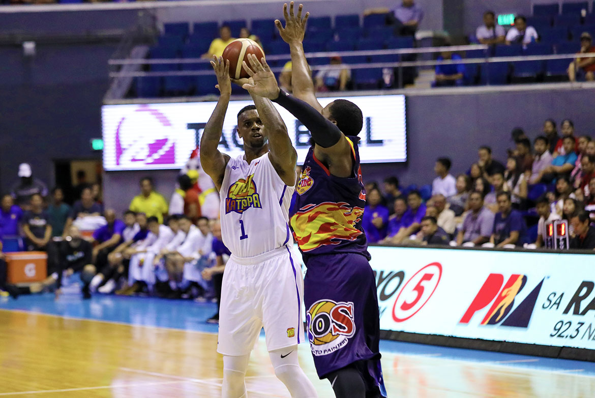 Tiebreaker Times Terrence Jones scatters second triple-double, powers TNT past Rain or Shine Basketball News PBA  TNT Katropa Terrence Jones Roger Pogoy Rain or Shine Elasto Painters PBA Season 44 Jayson Castro Javee Mocon Don Trollano Denzel Bowles Caloy Garcia Bong Ravena 2019 PBA Commissioners Cup