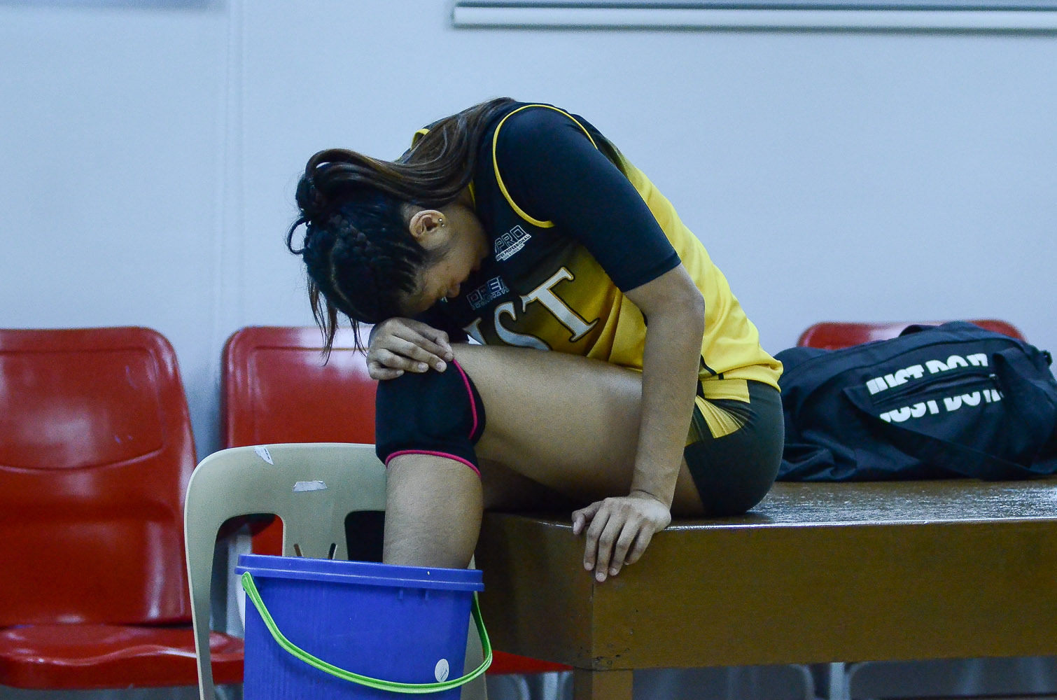 Tiebreaker Times Ysa Jimenez suffers ankle sprain News PVL UST Volleyball  Ysa Jimenez UST Women's Volleyball Kungfu Reyes 2019 PVL Season 2019 PVL Collegiate Conference