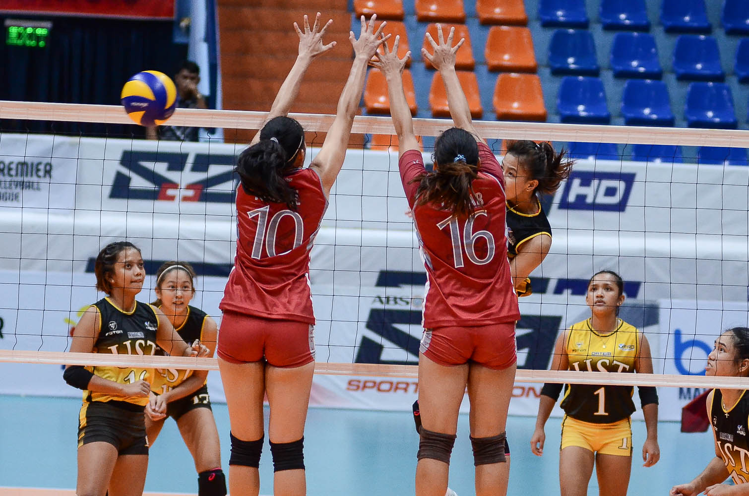 Tiebreaker Times Ej Laure victorious in return as UST Tigresses make quick work of Lyceum LPU News PVL UST Volleyball  UST Women's Volleyball Mary Joy Onofre Lyceum Women's Volleyball Kungfu Reyes Janna Torres Imee Hernandez Emil Lontoc EJ Laure 2019 PVL Season 2019 PVL Collegiate Conference