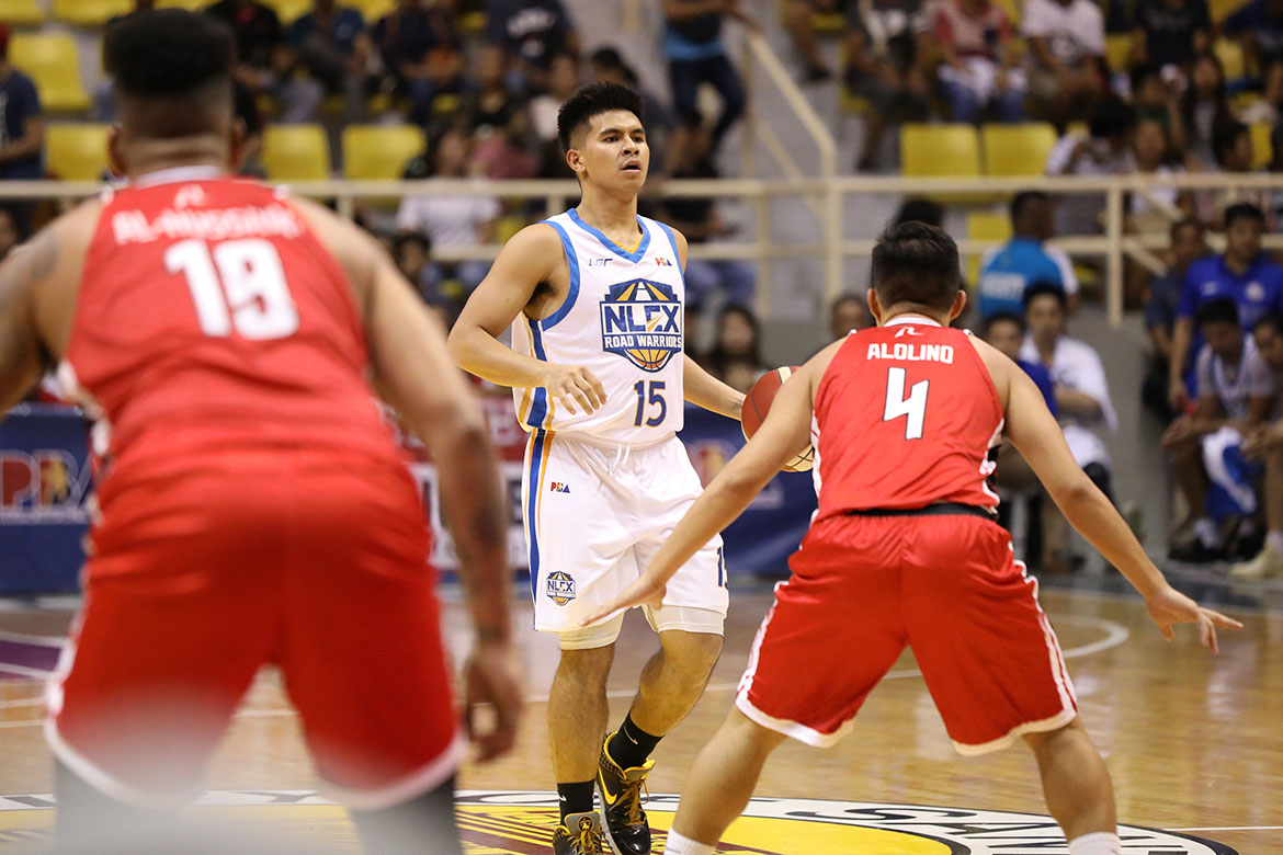 Tiebreaker Times Kiefer Ravena, NLEX rally past Parks-led Blackwater for 3-0 start Basketball News PBA  Yeng Guiao Philip Paniamogan PBA Season 44 Paul Desiderio Ola Ashaolu NLEX Road Warriors Marqus Blakely Kiefer Ravena Kenneth Ighalo JR Quinahan Bobby Ray Parks Jr. Blackwater Elite Aris Dimaunahan Allein Maliksi 2019 PBA Governors Cup