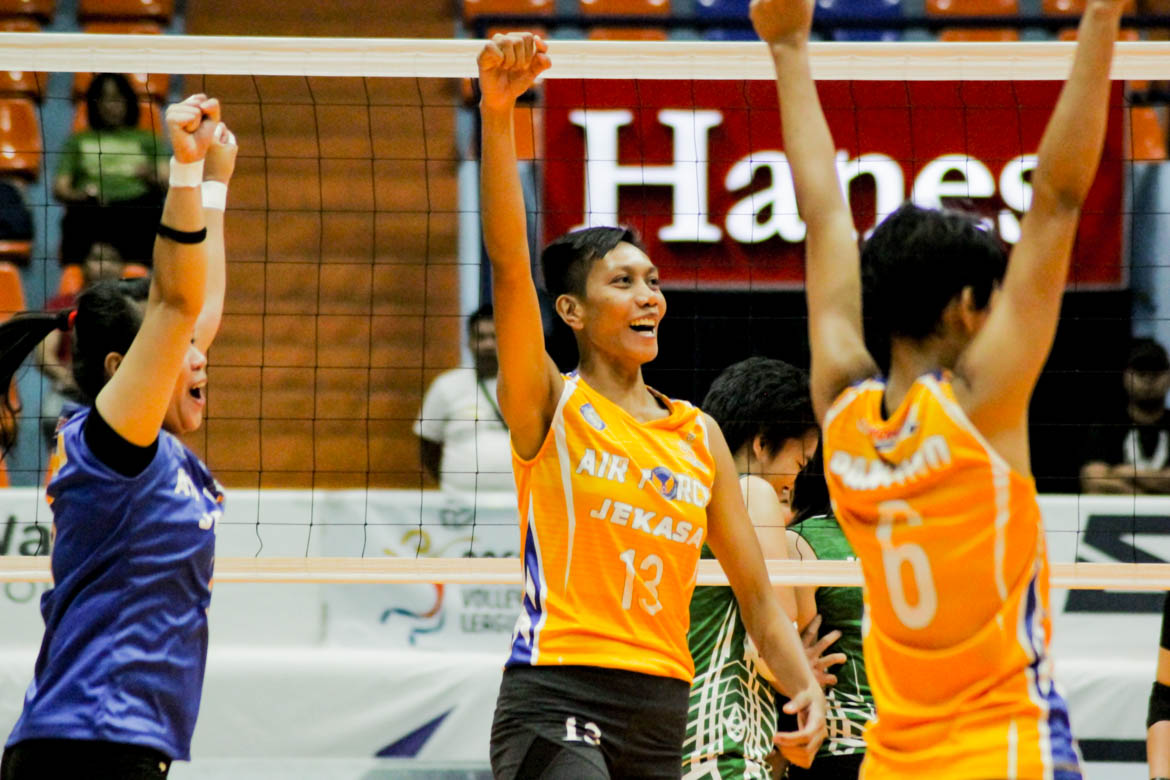 Tiebreaker Times Dell Palomata stands tall as Air Force stuns PacificTown–Army News PVL Volleyball  Wendy Semana royse tobino Pacific Town-Army Lady Troopers Kungfu Reyes Joy Cases Jasper Jimenez Dell Palomata Air Force Jet Spikers 2019 PVL Season 2019 PVL Open Conference