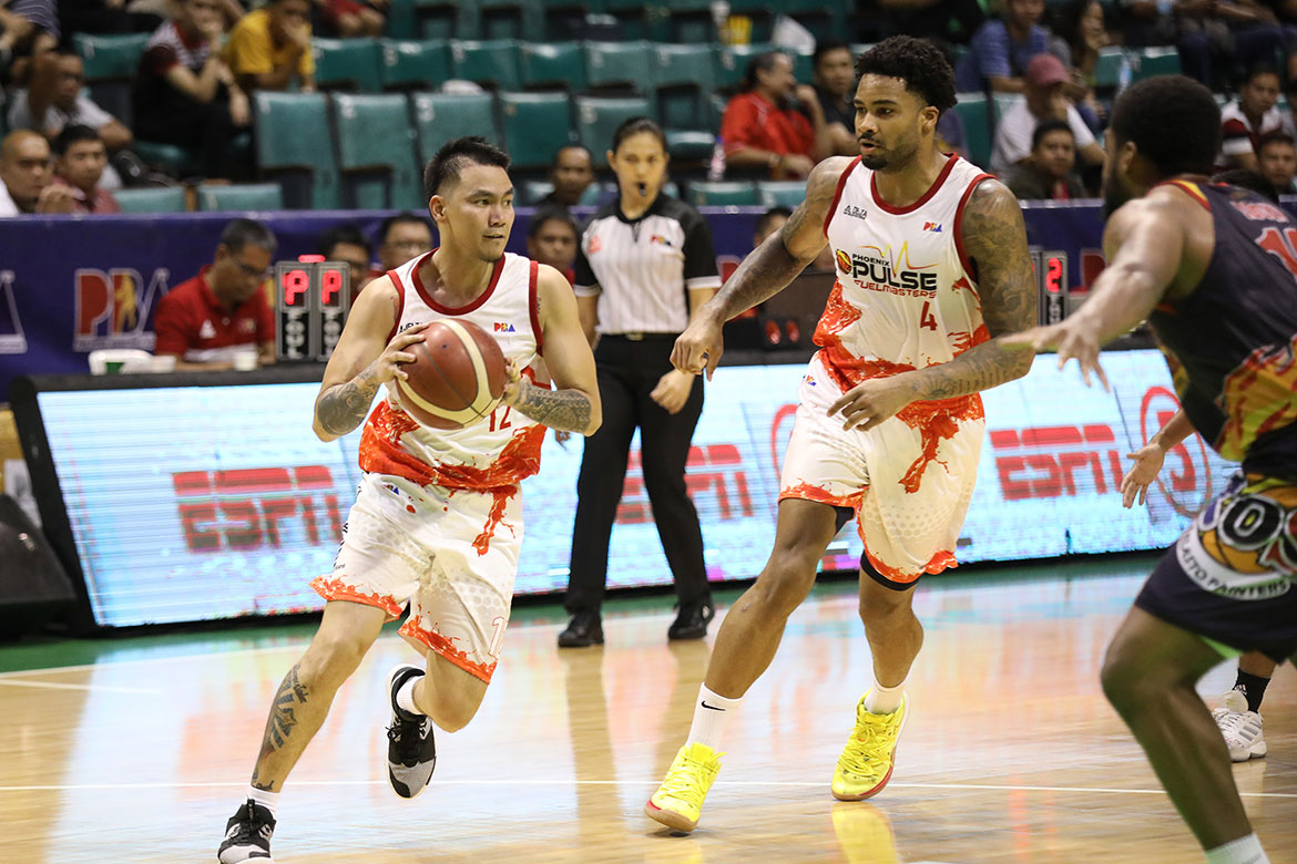 Tiebreaker Times After failed attempt in Letran, Louie Alas relishes having RR Garcia in Phoenix Basketball News PBA  RR Garcia Phoenix Fuel Masters PBA Season 44 2019 PBA Governors Cup