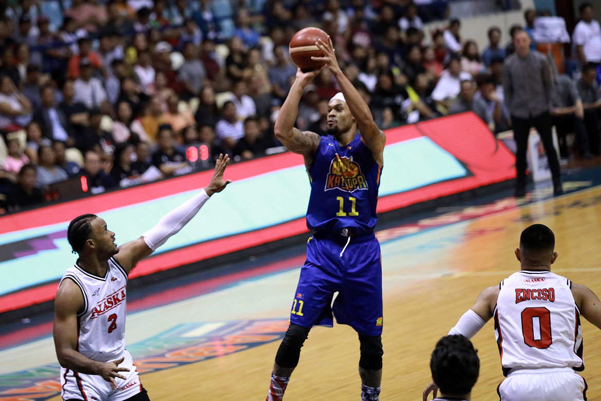 Tiebreaker Times Fired up by spat with Racal, KJ McDaniels lights up Alaska Basketball News PBA  TNT Katropa PBA Season 44 KJ McDaniels Kevin Racal 2019 PBA Governors Cup