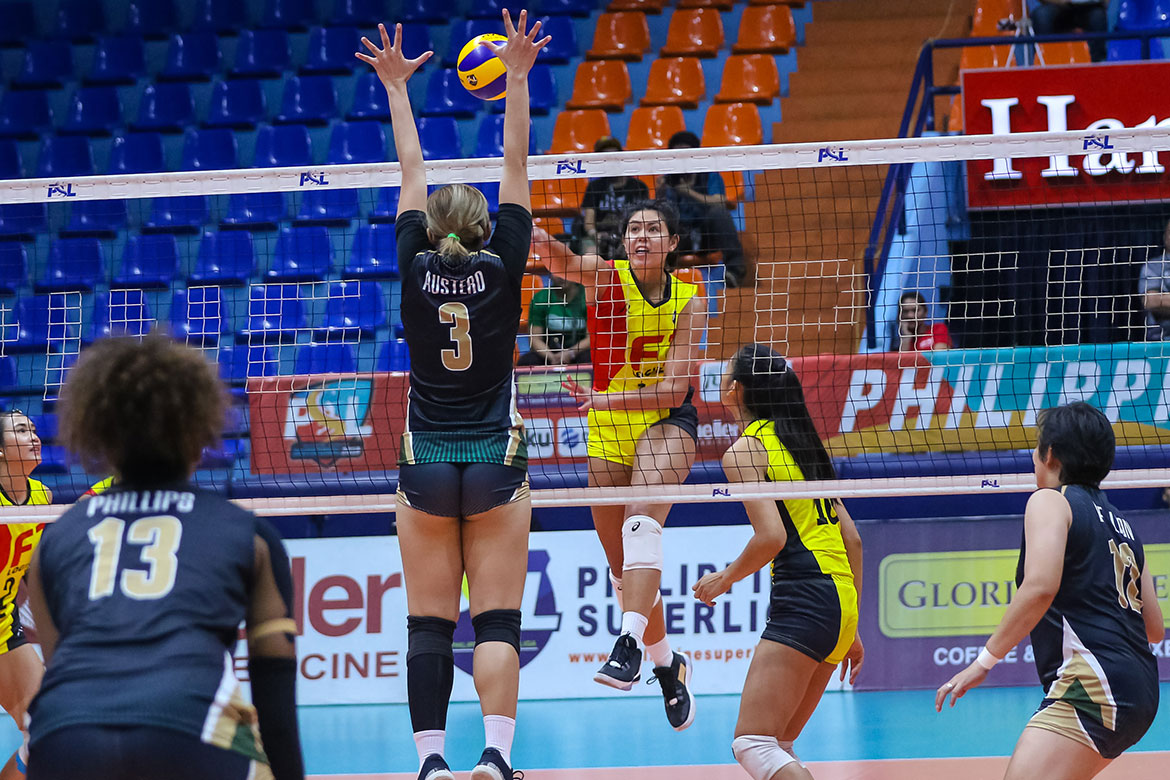 Tiebreaker Times F2 Logistics dashes Sta. Lucia out of Final Four race as Kalei Mau returns Basketball News PBA  Sta. Lucia Lady Realtors Ramil De Jesus MJ Phillips Kim Dy Kalei Mau F2 Logistics Cargo Movers Eli Soyud Eddieson Orcullo Ara Galang 2019 PSL Season 2019 PSL Invitational Cup