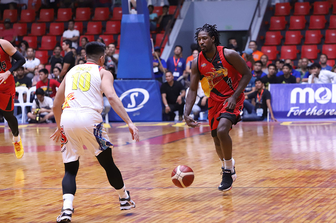 Tiebreaker Times San Miguel to stick with John Holland amid Dez Wells uncertainties Basketball News PBA  San Miguel Beermen PBA Season 44 John Holland Dez Wells 2019 PBA Governors Cup