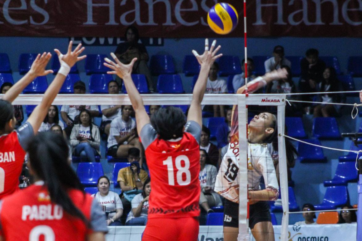 Tiebreaker Times BanKo guts out tight three-setter versus Motolite, nears bronze medal News PVL Volleyball  Tots Carlos Thang Ponce Sue Roces Roma Doromal Perlas Lady Spikers Nicole Tiamzon Myla Pablo Motolite Kathy Bersola Jem Ferrer Isa Molde Godfrey Okumu Dzi Gervacio Apichat Kongsaiwat 2019 PVL Season 2019 PVL Open Conference