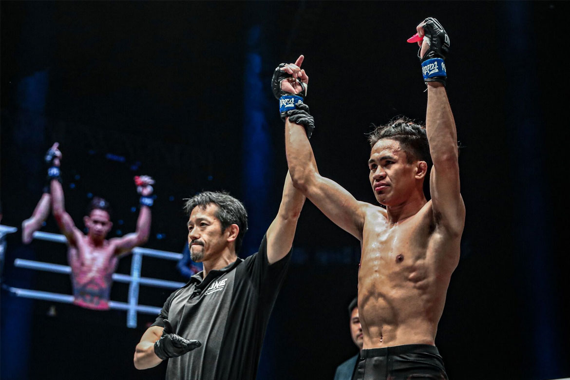 Tiebreaker Times Jeremy Miado flies Philippine flag high in Beijing Mixed Martial Arts News ONE Championship  Switch MMA Ramon Gonzales ONE: Age of Dragons Miao Li Tao Jeremy Miado Edward Kelly Cage Gladiators