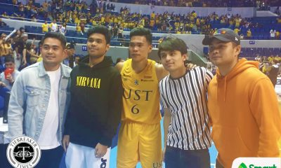 Tiebreaker Times Mark Nonoy in awe as Pacquiao brothers take picture with him Basketball News UAAP UST  UST Men's Basketball UAAP Season 82 Men's Basketball UAAP Season 82 Mark Nonoy Jimuel Pacquiao