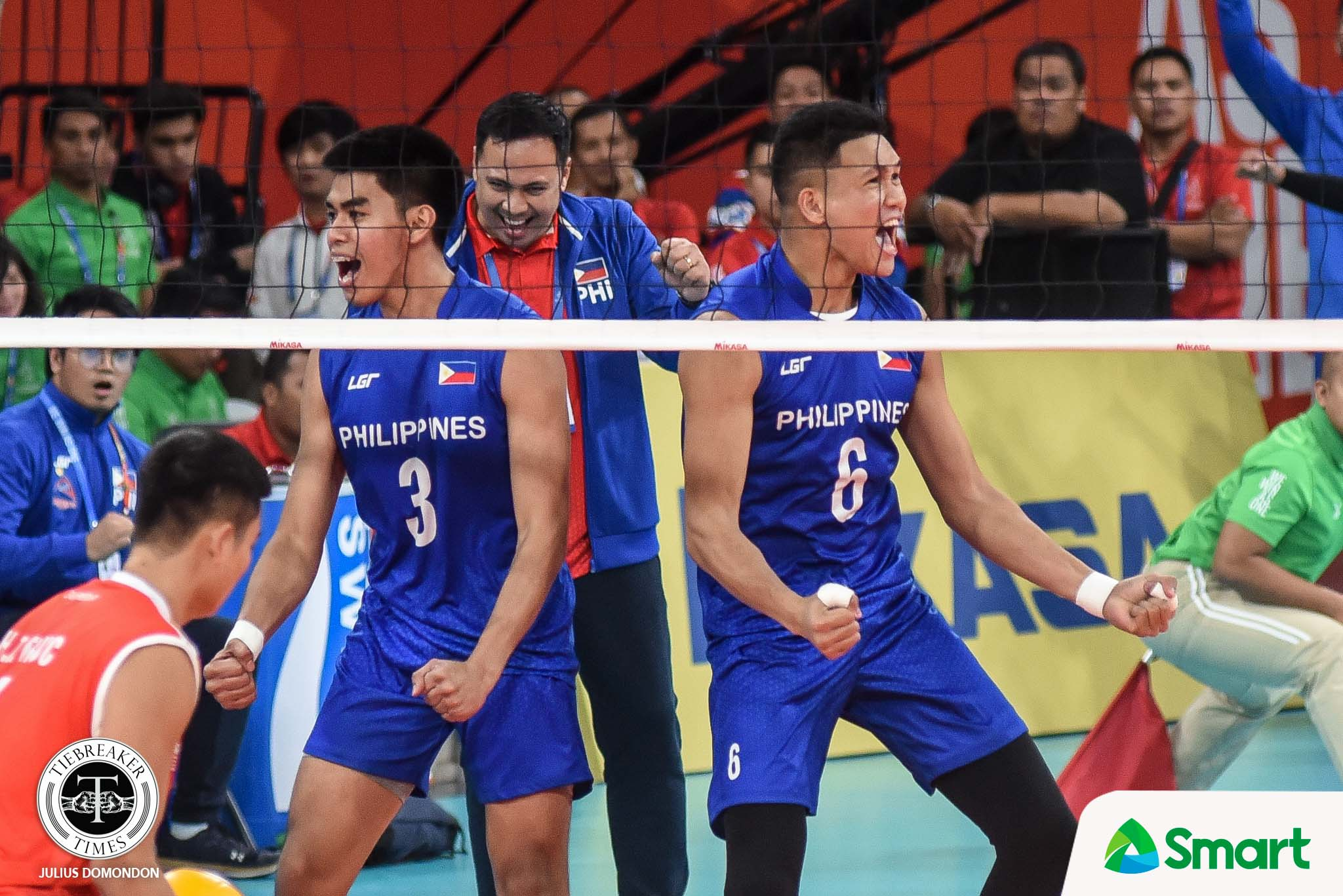 Tiebreaker Times Espejo, Alinsunurin glad that Men's Volleyball is finally getting noise 2019 SEA Games News Volleyball  Philippine Men's National Volleyball Team Marck Espejo Dante Alinsunurin 2019 SEA Games - Volleyball 2019 SEA Games