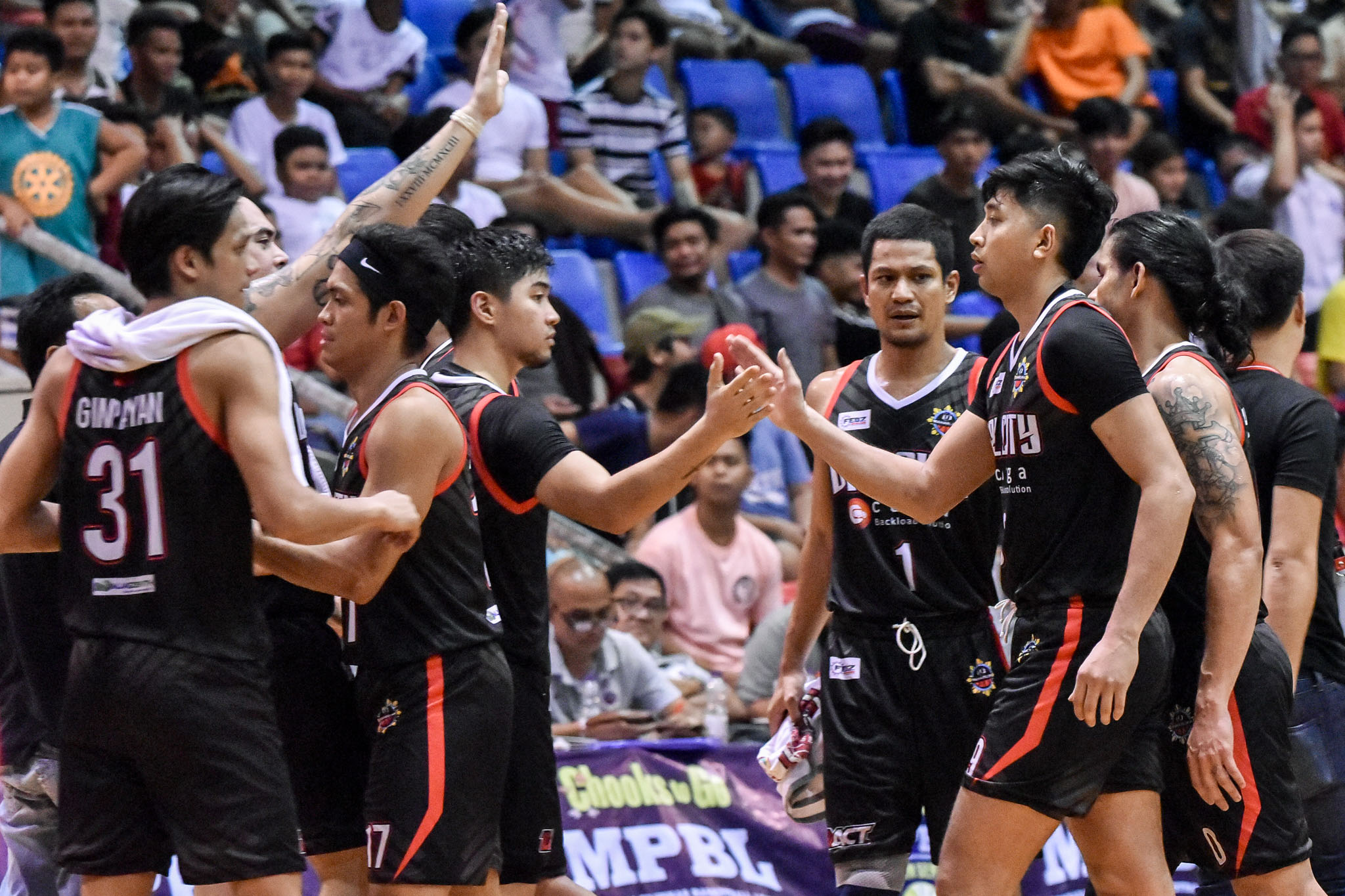 Tiebreaker Times Hubalde, Valenzuela thrill in last MPBL home game, send Rizal to the bottom Basketball MPBL News  Valenzuela Classic Ronjay Enrile Rizal-Xentro Mall Golden Coolers Reneford Ruaya Paolo Hubalde Mark Benitez Jayvee Vidal Andrey Armenion 2019-20 MPBL Lakan Cup
