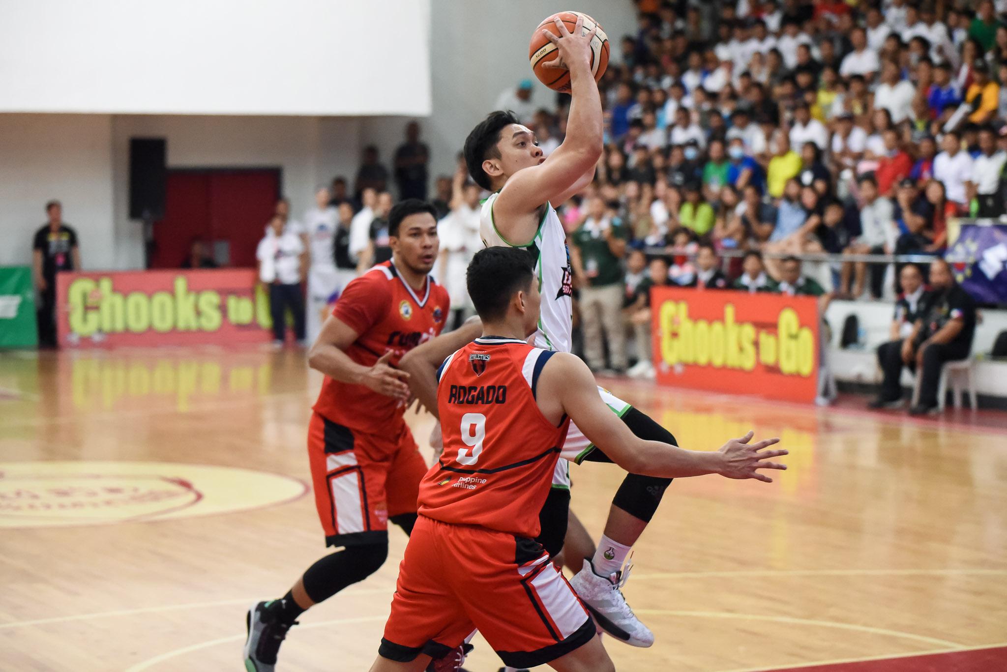 Chooks-MPBL-2019-Batangas-vs-Zamboanga-Manzo Murrell ends UP career as he and Manzo join PBA Draft Basketball MPBL News UAAP UP  - philippine sports news
