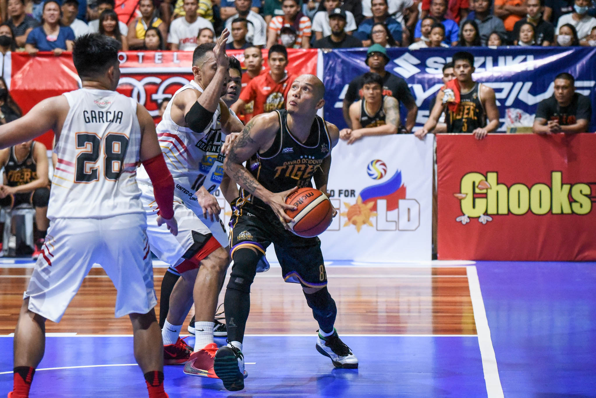 Tiebreaker Times Davao Occidental shows fang vs Bicol, take 1-0 lead in MPBL South QF Basketball MPBL News  Ronjay Buenafe Mon Kallos Mark Yee Jerome Garcia Emman Calo Don Dulay Davao Occidental Tigers Chris Lalata Billy Ray Robles Bicol Volcanoes Alwyn Alday 2019-20 MPBL Lakan Cup