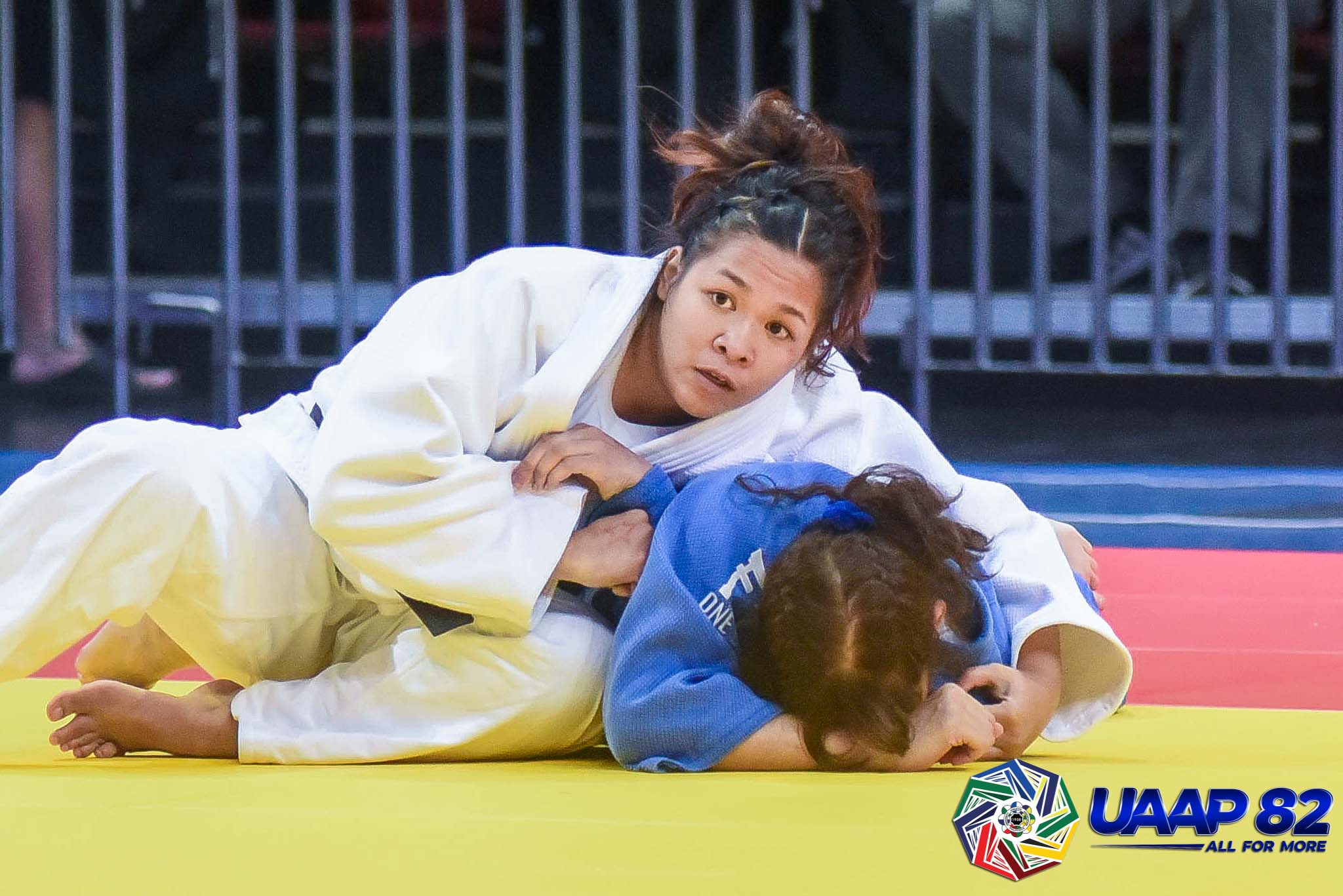 UAAP82-JUDO-JRS-70KG-GIRLS-3RD-PHOTO-WHITE-VILLENA-DLS-BLUE-MABABANGLOOB-ADMU Donaire, Saria lead DLSZ to surprising start in UAAP 82 HS Judo as Quimba sisters give UST early lead ADMU DLSU FEU Judo News UAAP UE UST  - philippine sports news