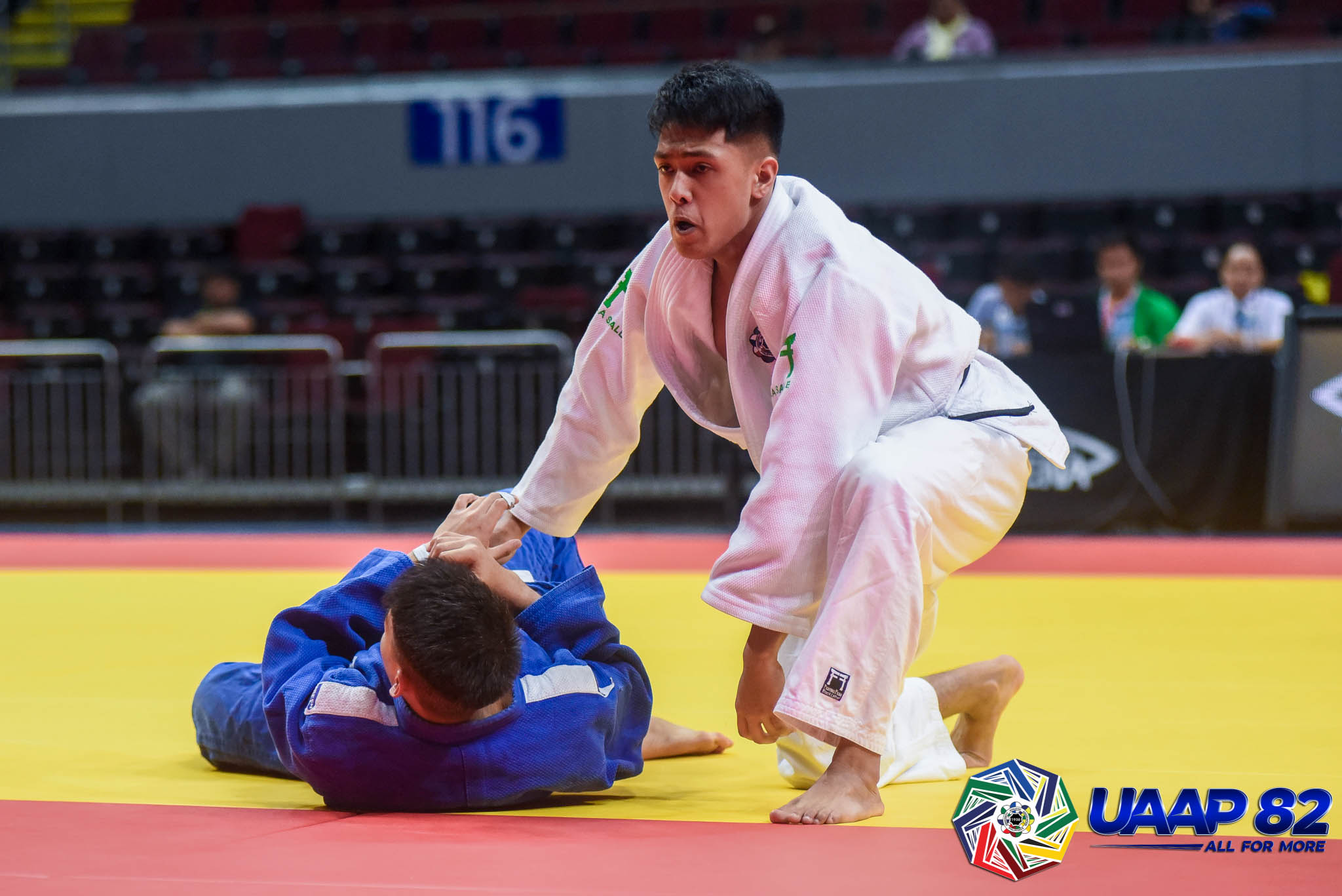 UAAP82-JUDO-JRS-73KG-BOYS-4TH-PHOTO-WHITE-SARIA-DLS-BLUE-DIONISIO-FEU Donaire, Saria lead DLSZ to surprising start in UAAP 82 HS Judo as Quimba sisters give UST early lead ADMU DLSU FEU Judo News UAAP UE UST  - philippine sports news