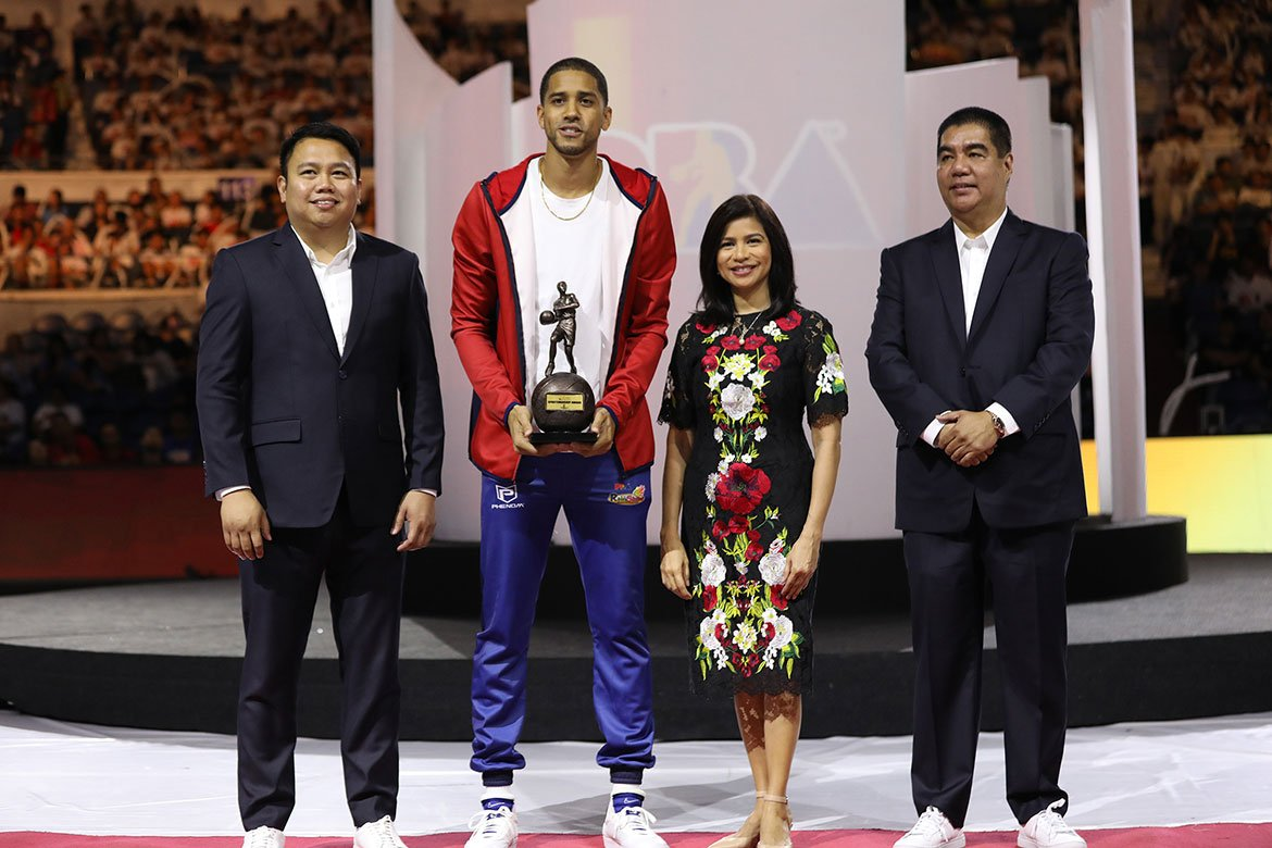 Tiebreaker Times Winning Sportsmanship Award is Norwood's personal tribute to Samboy Lim Basketball News PBA  Samboy Lim Gabe Norwood 2019 PBA Leo Awards
