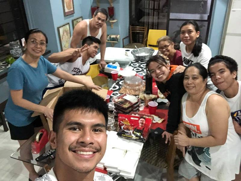Ravena-family-after-packing-meals Ravena family distributes Chooks-to-Go meals to checkpoints in Cainta ADMU Basketball Chooks-to-Go Pilipinas 3x3 News PBA Volleyball  - philippine sports news
