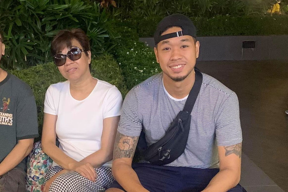 Chooks-to-Go-Pilipinas-3x3-COVID-19-survivor-Chris-De-Chavez-with-mom How Chris De Chavez and his family survived COVID-19 at home 3x3 Basketball Chooks-to-Go Pilipinas 3x3 News  - philippine sports news