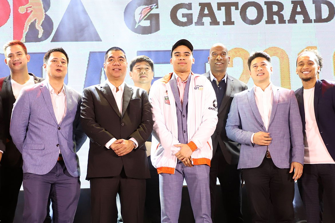 Tiebreaker Times Norman Black proud of son Aaron for making name outside of Ateneo Basketball News PBA  PBA Season 45 Norman Black Meralco Bolts Hoop Coaches International Webinar Aaron Black