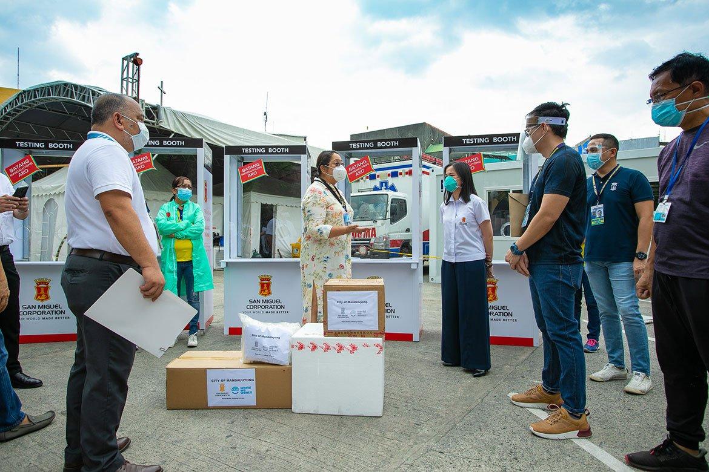 Tiebreaker Times Vico, Yorme receive COVID-19 testing booths from SMC Basketball News PBA  Vico Sotto San Miguel Corporation Ramon Ang Isko Moreno Coronavirus Pandemic