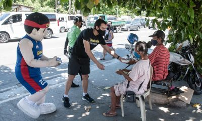 Tiebreaker Times Nikko Huelgas celebrates birthday by giving back to LPC frontliners Chooks-to-Go Pilipinas 3x3 News Triathlon  Nikko Huelgas Coronavirus Pandemic