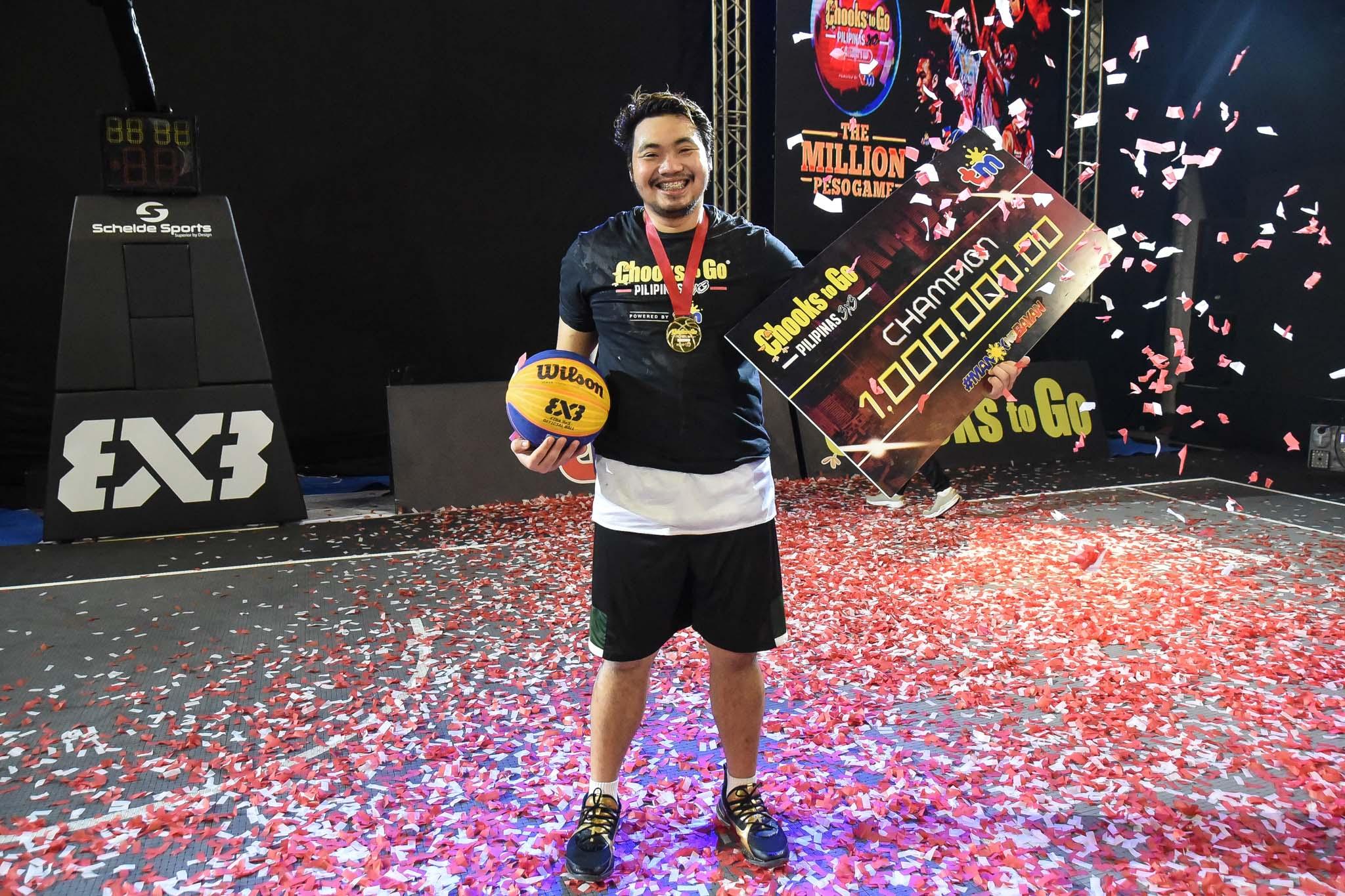 Chooks-to-Go-Pilipinas-3X3-Awarding-Pasaol How will Munzon, Pasaol, Santillan, and Rike spend their P1.35M winnings? 3x3 Basketball Chooks-to-Go Pilipinas 3x3 News  - philippine sports news