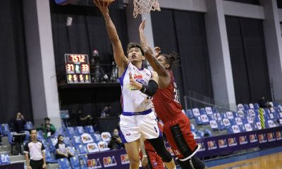 Tiebreaker Times Paul Lee helps Jack Corpuz overcome nerves. And it came in Manila Clasico Basketball News PBA  PBA Season 45 Paul Lee Magnolia Hotshots Jackson Corpuz Coronavirus Pandemic