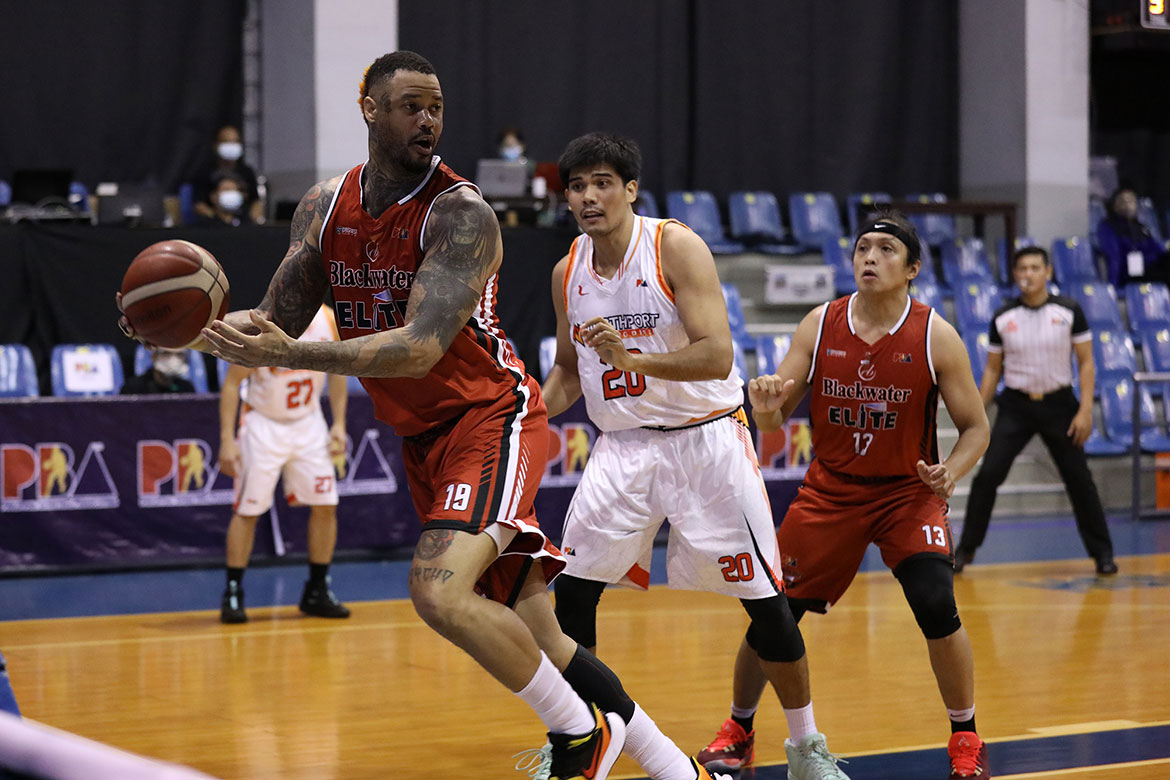 Tiebreaker Times Back spasms forced Shaw to sit out Blackwater's game vs Ginebra Basketball News PBA  PBA Season 45 Nash Racela Maurice Shaw Coronavirus Pandemic Blackwater Elite