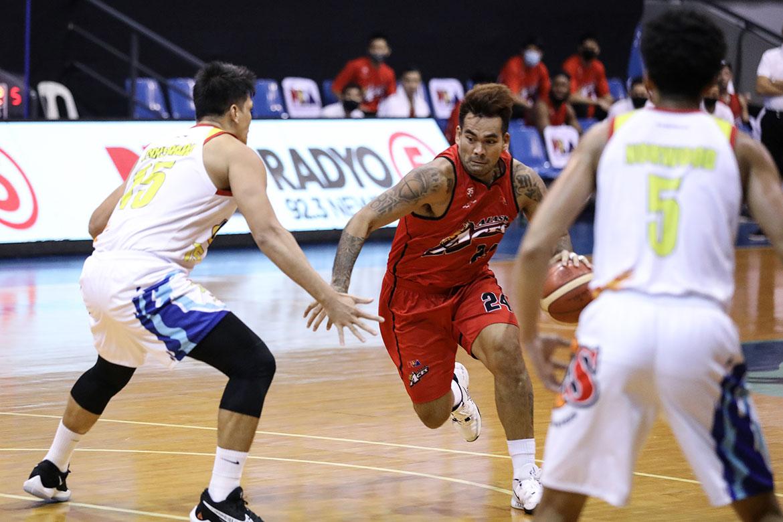 pba-season-45-rain-or-shine-vs-alaska-vic-manuel-2 TIMELINE: Events leading to alleged PBA's COVID-19 cases Basketball News PBA  - philippine sports news