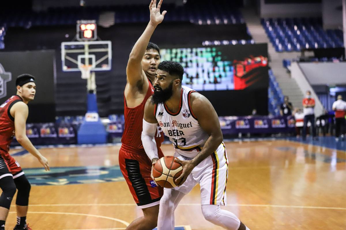 PBA-Season-45-San-Miguel-vs-Ginebra-Mo-Tautuaa Look back on PBA Bubble season -- from Blackwater almost leaving to Ginebra's triumph Bandwagon Wire Basketball PBA  - philippine sports news