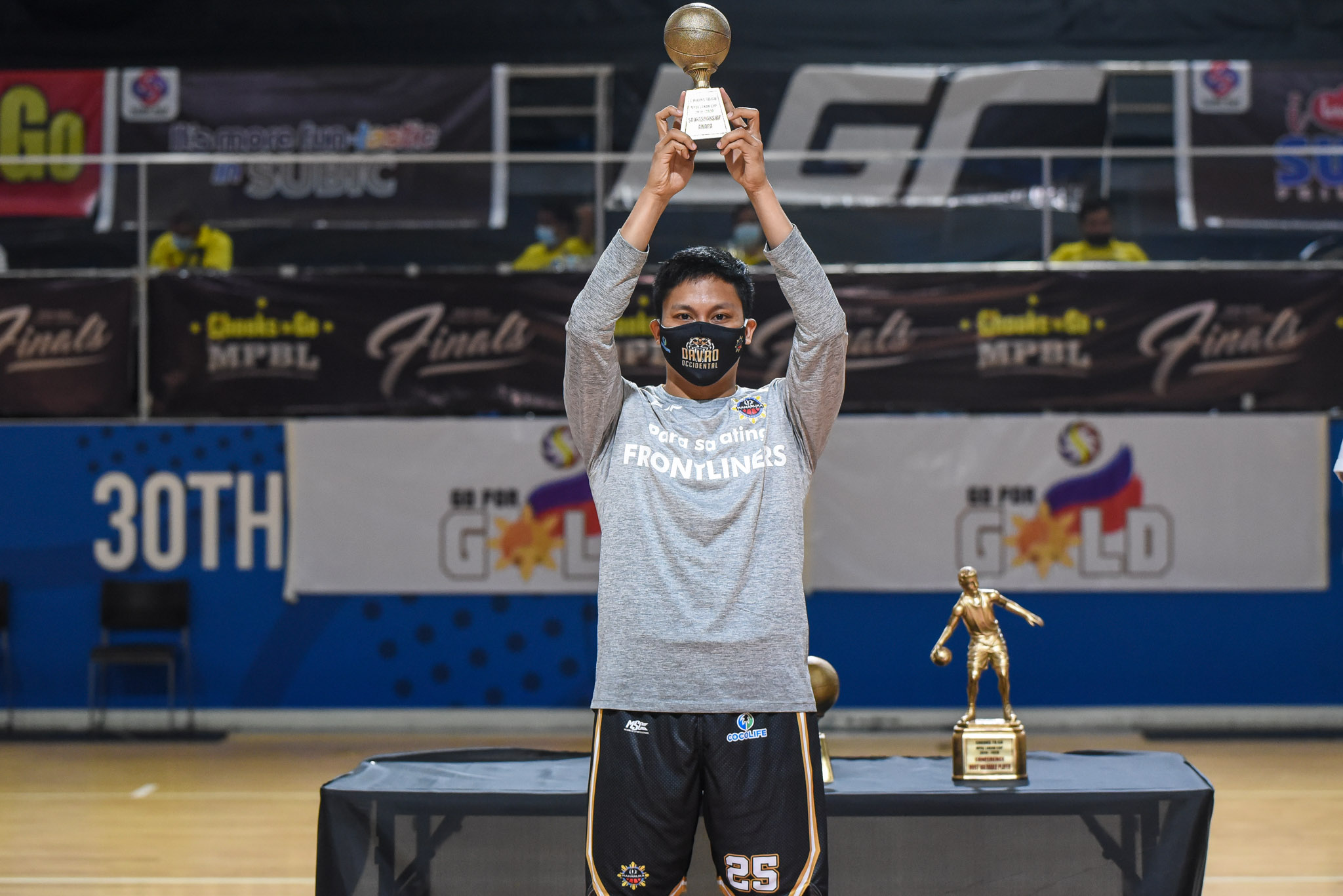 2019-21-Chooks-to-Go-MPBL-Lakan-Season-Awarding-Ceremony-Sportsmanship-Award-Billy-Robles John Wilson crowned Chooks-to-Go MPBL Lakan Season MVP Basketball MPBL News  - philippine sports news