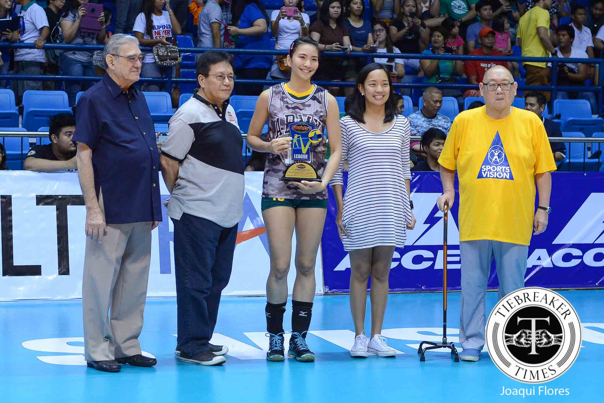 SVL12-Awarding-Daquis-3146 Daquis back home as Cignal officially joins PVL News PVL Volleyball  - philippine sports news