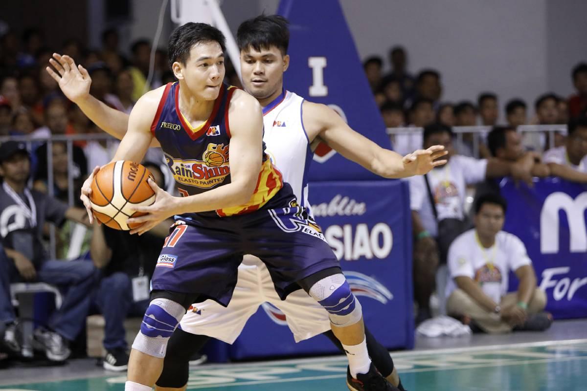 2018-pba-philippine-cup-rain-or-shine-def-magnolia-chris-tiu-x-gryann-mendoza Gryann Mendoza has no regrets with PBA career: 'Blessing sa akin yung pinagdaanan ko' Basketball News VisMin Super Cup  - philippine sports news