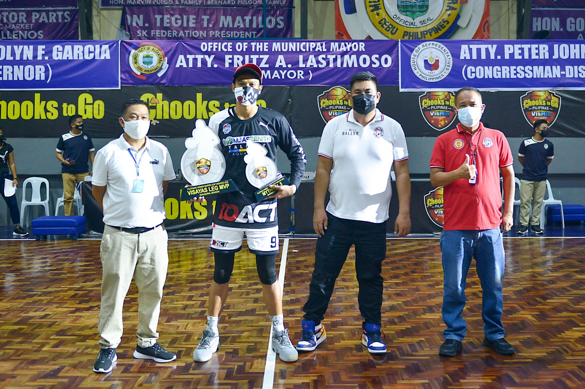 2021-Chooks-to-Go-VisMin-Cup-Visayas-MVP-Jaymar-Gimpayan-with-Rocky-Chan Jaymar Gimpayan hailed VisMin-Visayas MVP Basketball News VisMin Super Cup  - philippine sports news