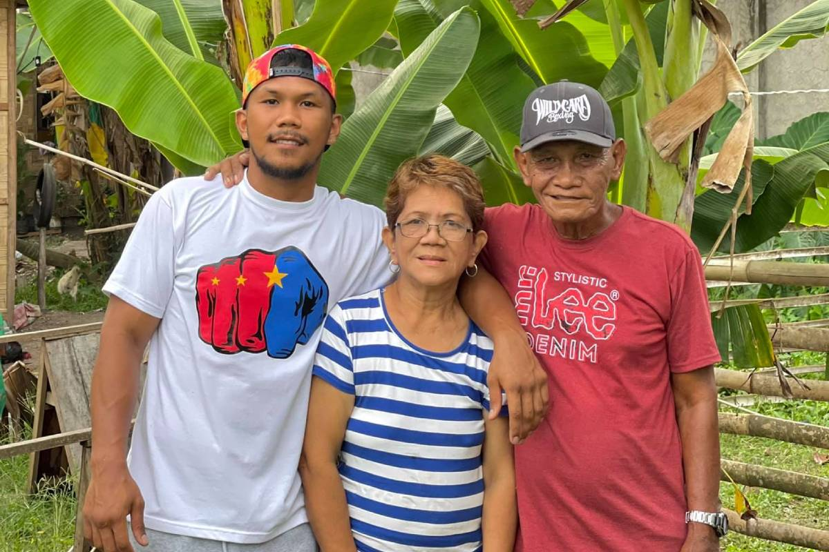 Eumir-Marcial-with-parents Midlife Halftime Olympic Odyssey: Family is what keeps Eumir Marcial pushing 2020 Tokyo Olympics Bandwagon Wire Boxing  - philippine sports news
