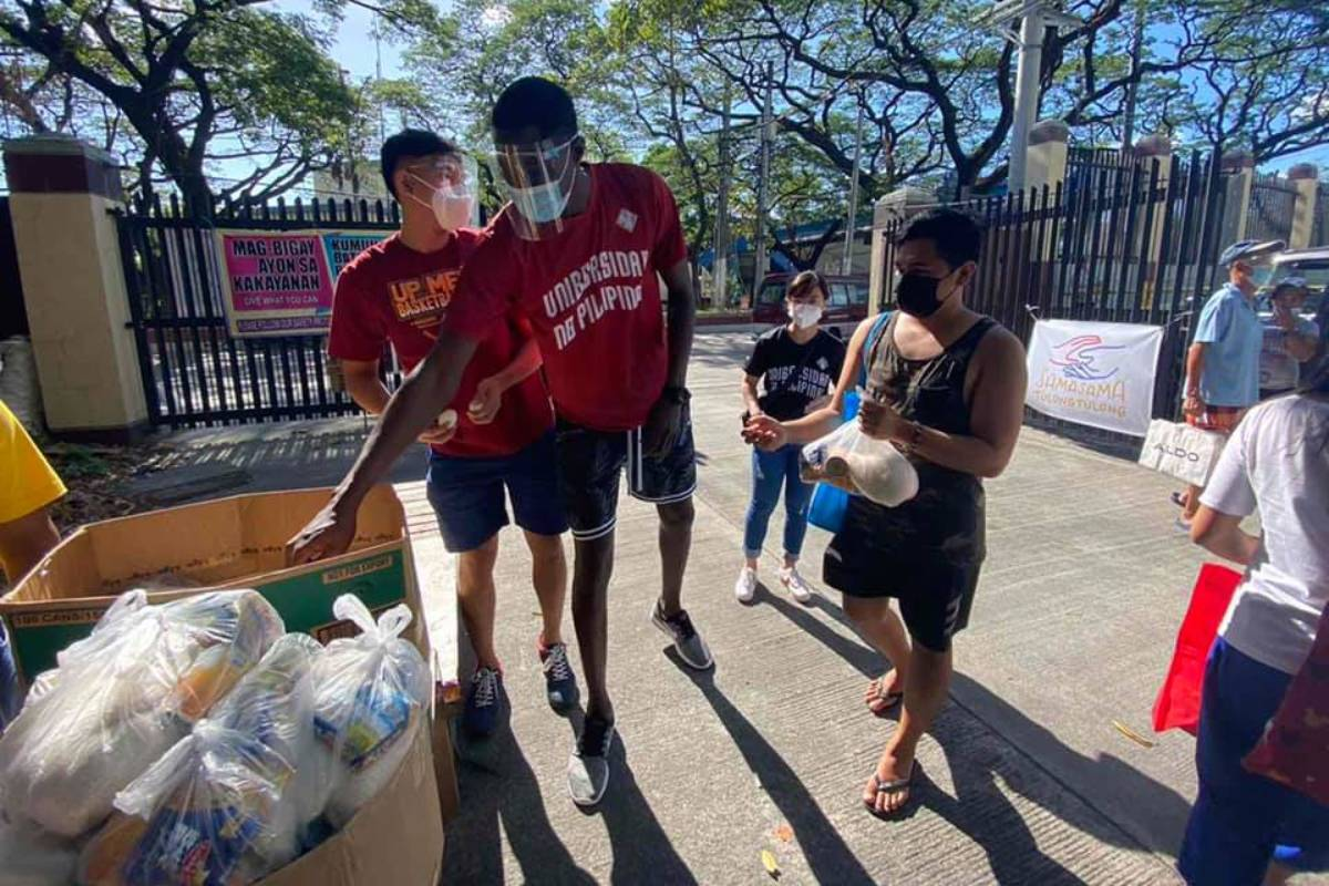 UAAP-Season-83-UPMBT-Malick-Diouf UP's Lina, Diouf lend helping hand to Maginhawa pantry News UAAP UP  - philippine sports news