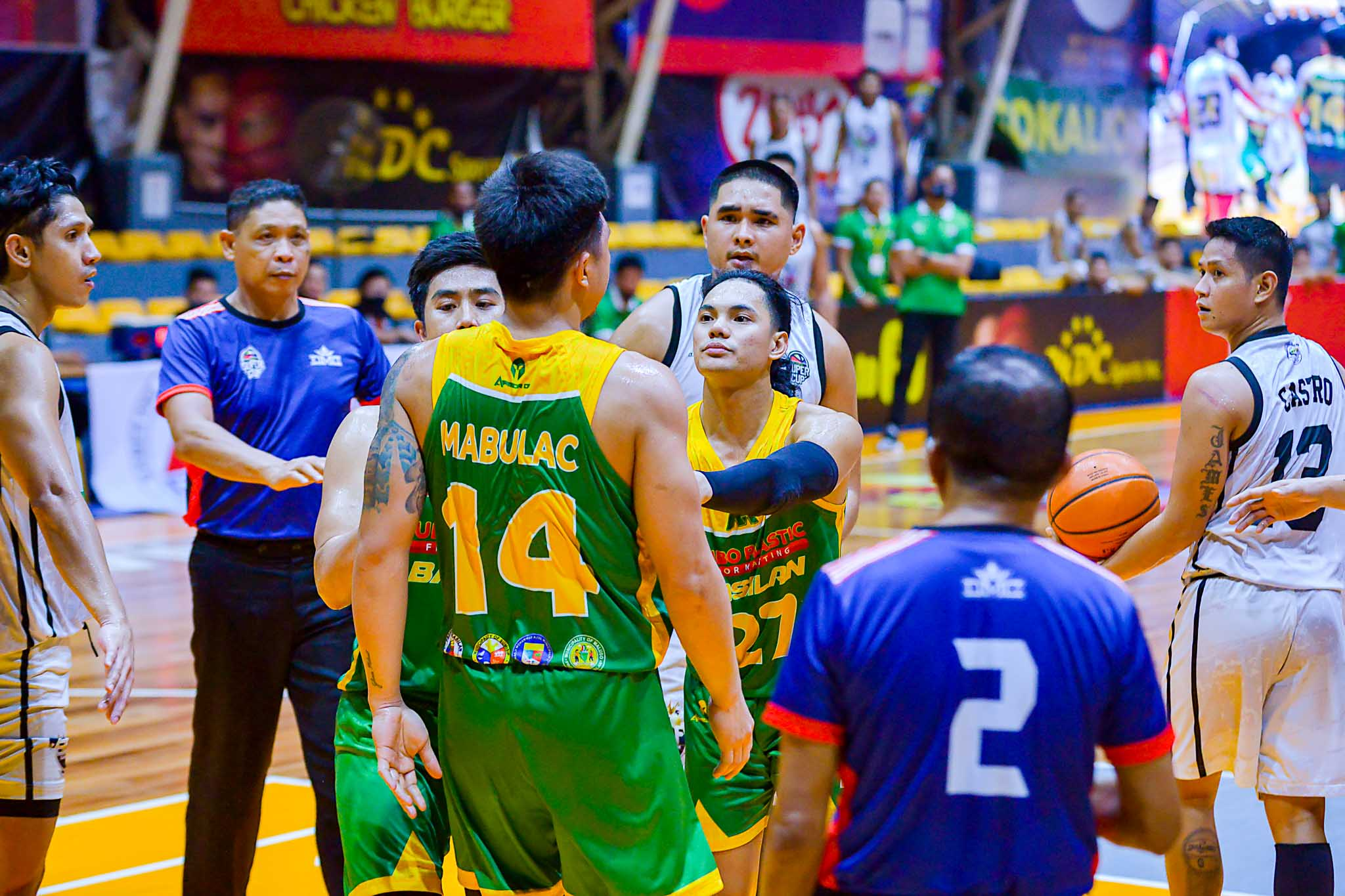 2021-Chooks-VisMin-Mindanao-Finals-Roxas-vs-Basilan-scuffle Bitoon's sacrifice pays off with VisMin Finals MVP plum Basketball News VisMin Super Cup  - philippine sports news